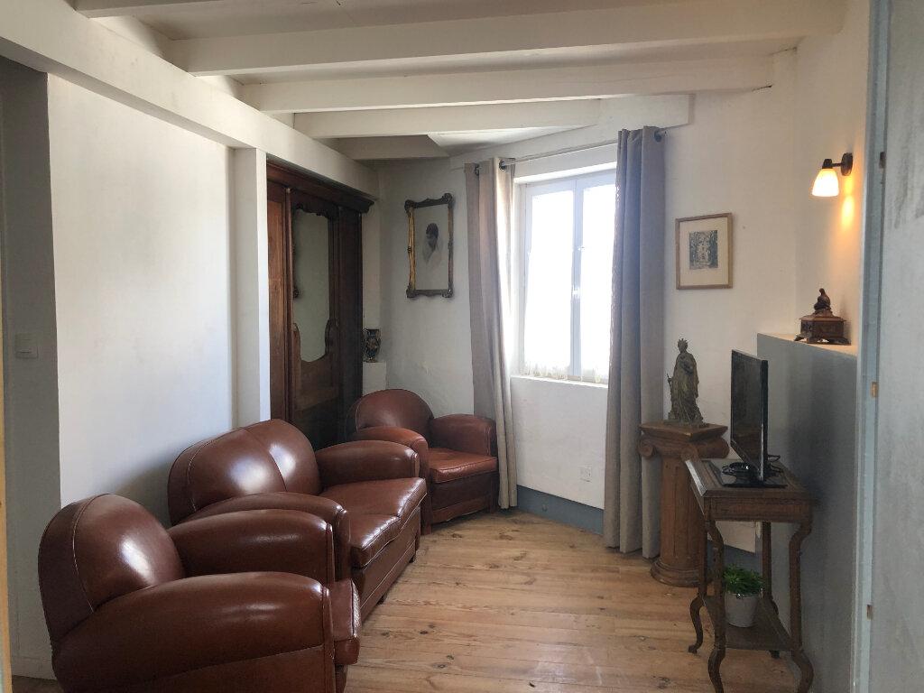Maison à vendre 5 100m2 à Saint-Pierre-d'Oléron vignette-9