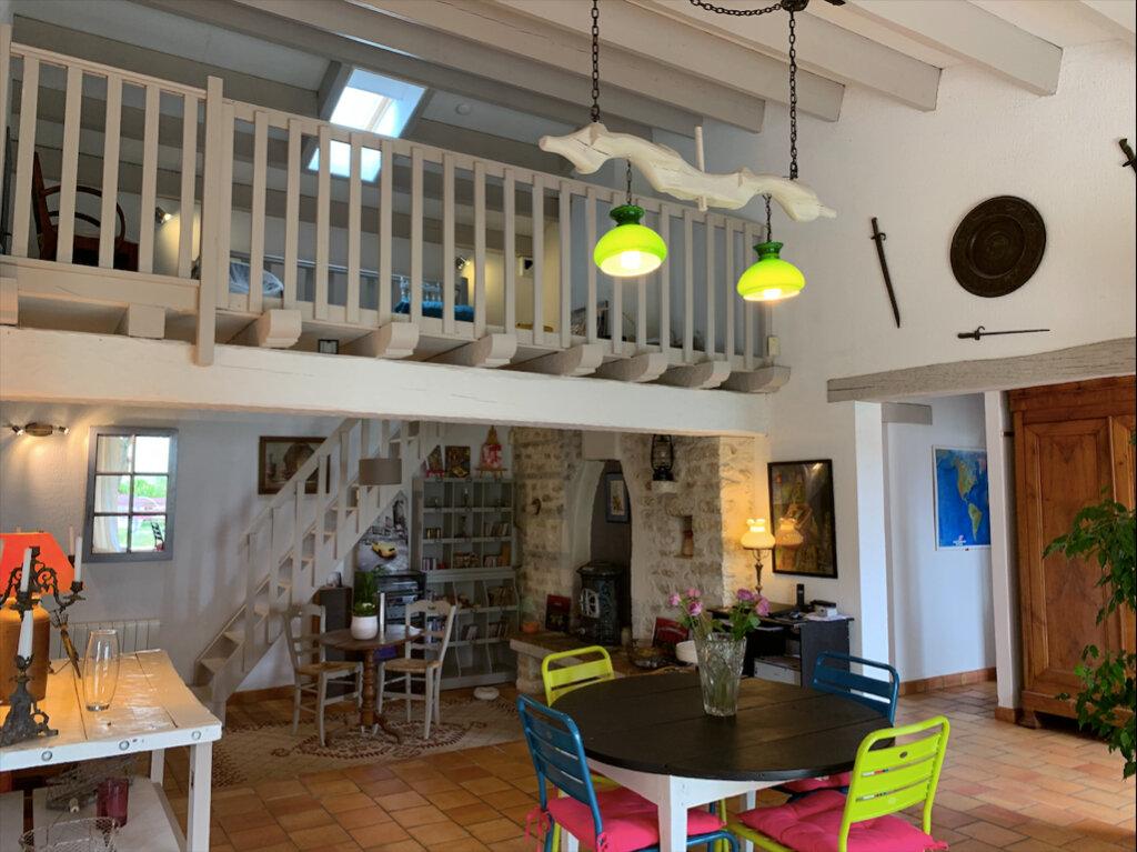 Maison à vendre 7 158m2 à Saint-Pierre-d'Oléron vignette-4