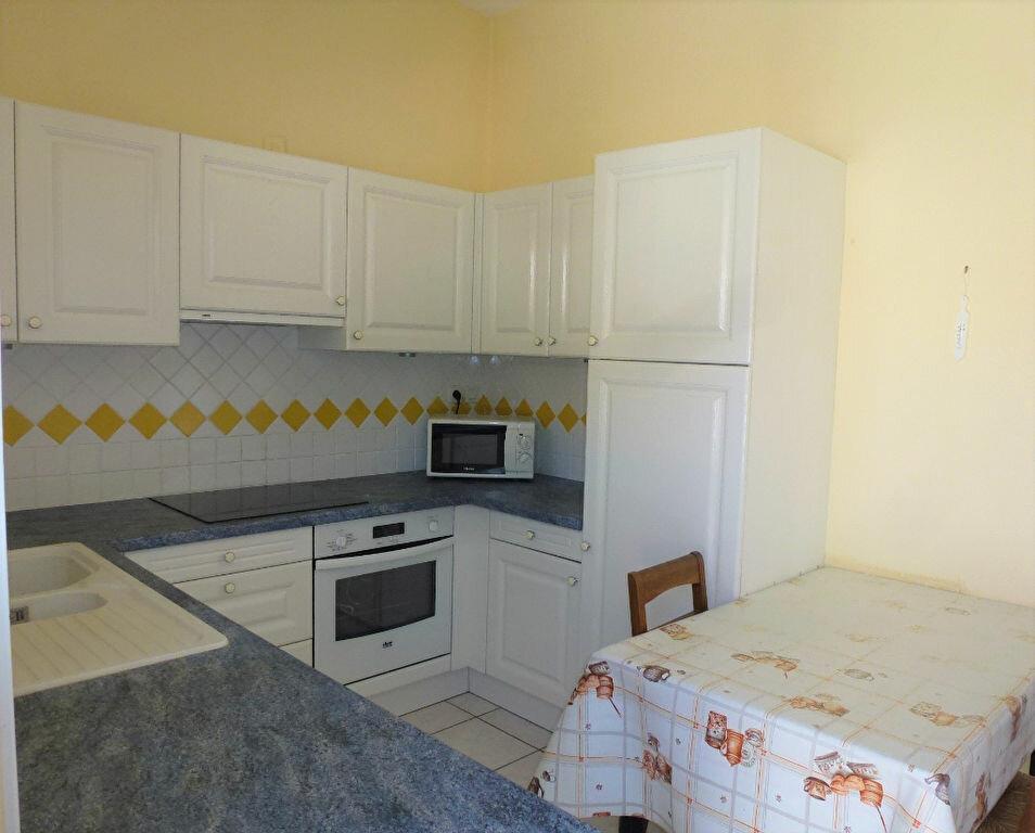Appartement à vendre 3 81.7m2 à Royan vignette-2