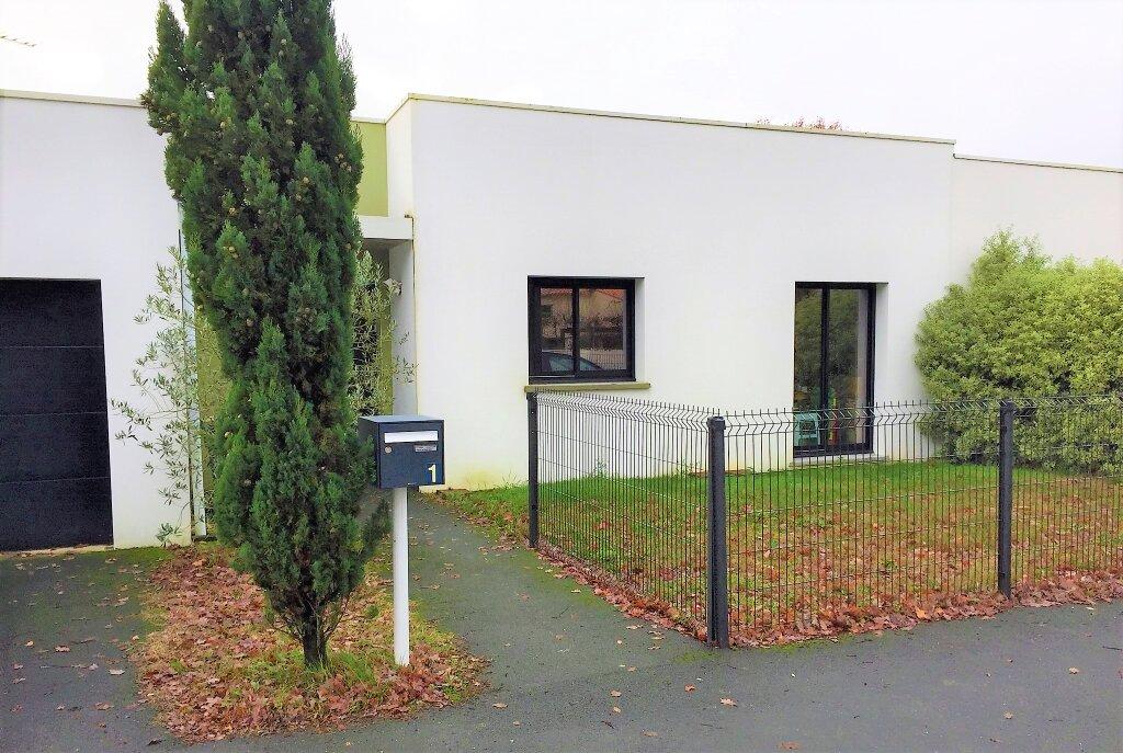 Maison à vendre 4 87m2 à Saint-Sulpice-de-Royan vignette-1