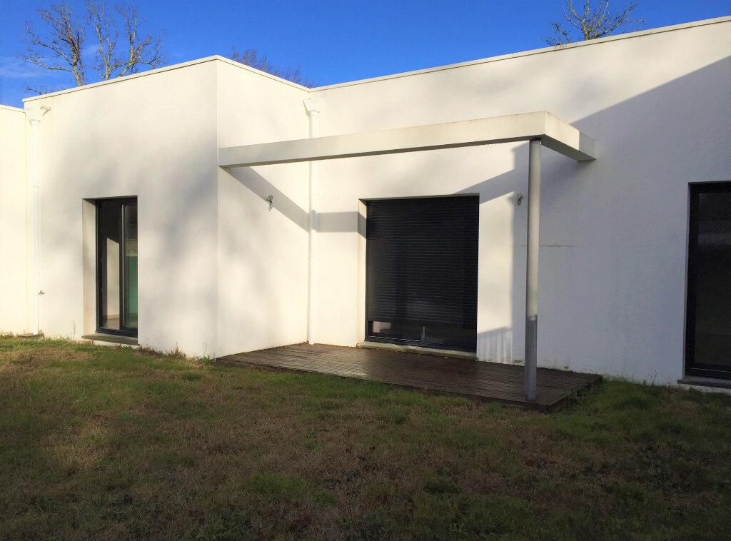 Maison à vendre 4 87m2 à Saint-Sulpice-de-Royan vignette-3