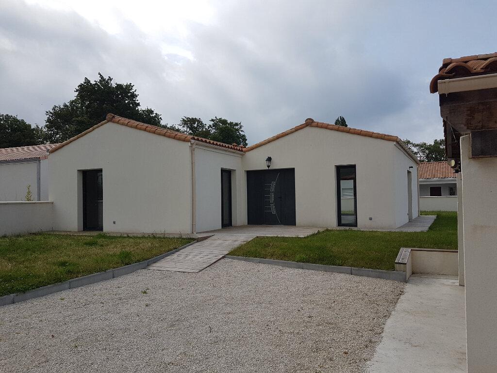 Maison à vendre 4 120m2 à Breuillet vignette-5