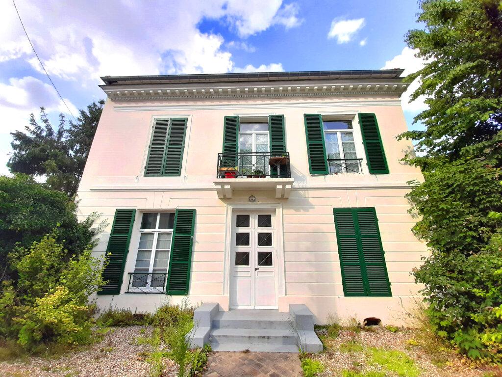 Appartement à louer 2 33m2 à Viry-Châtillon vignette-1