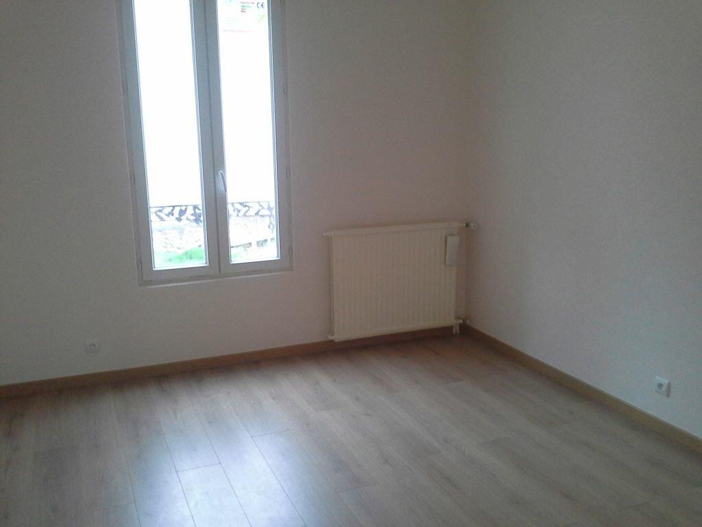 Appartement à louer 3 49m2 à Viry-Châtillon vignette-3