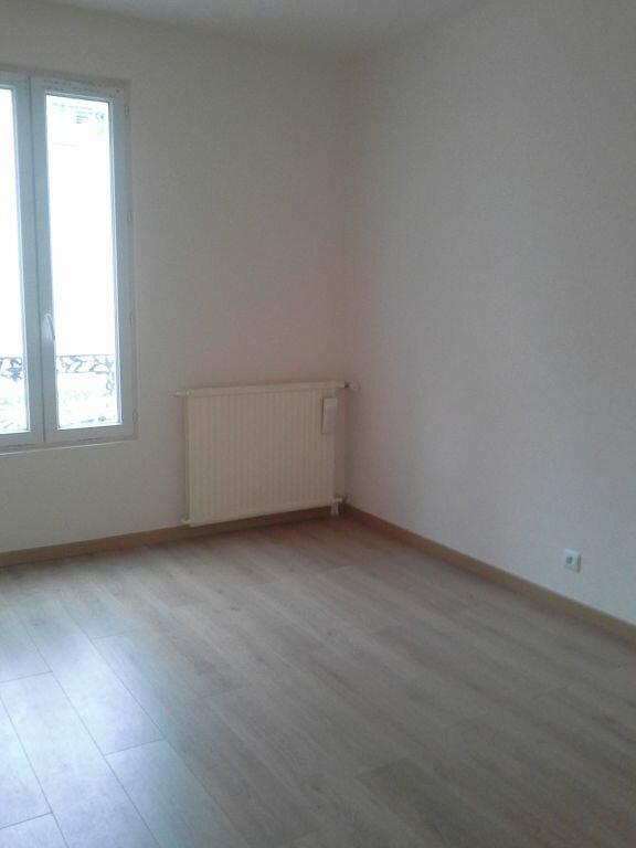 Appartement à louer 3 49m2 à Viry-Châtillon vignette-4