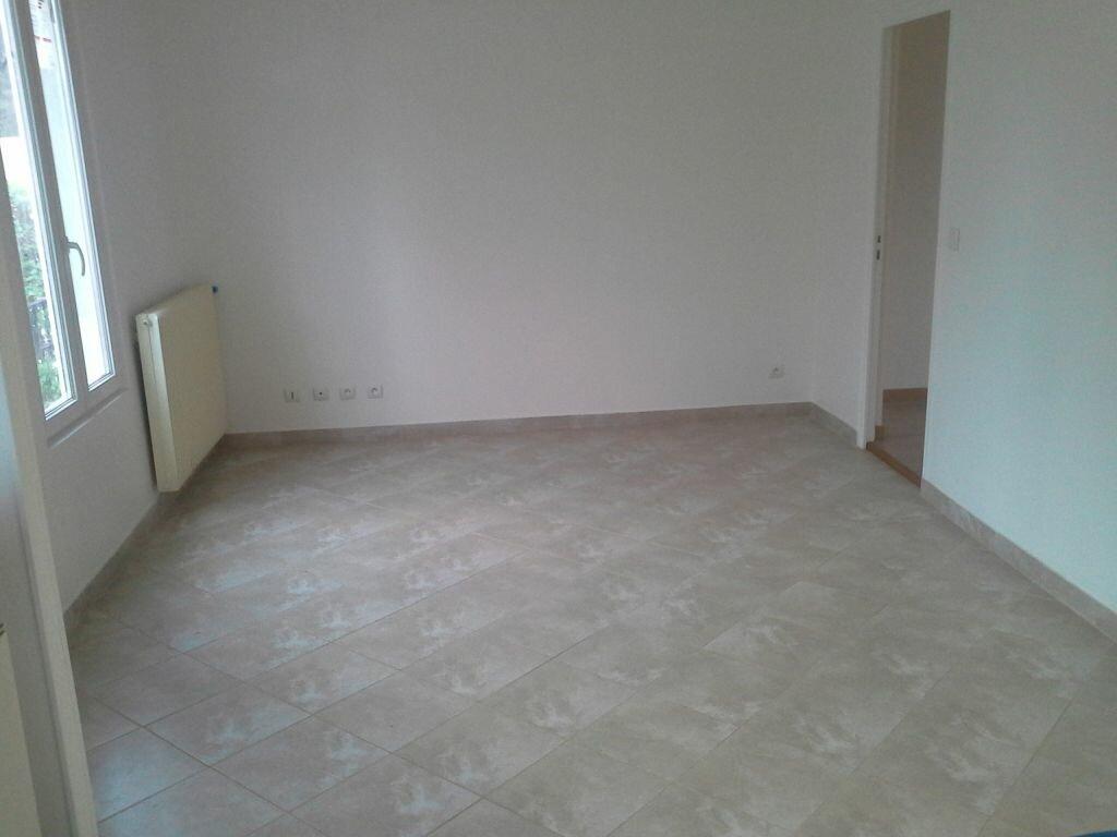 Appartement à louer 3 49m2 à Viry-Châtillon vignette-7