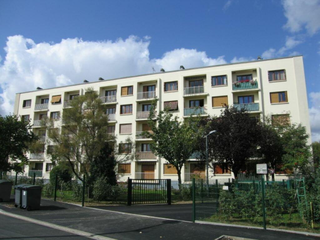 Appartement à louer 2 37.07m2 à Viry-Châtillon vignette-1