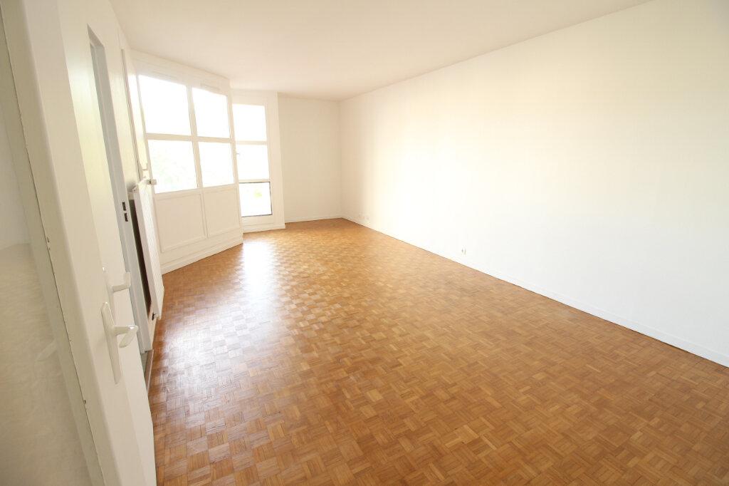 Appartement à louer 2 55.28m2 à Évry vignette-1