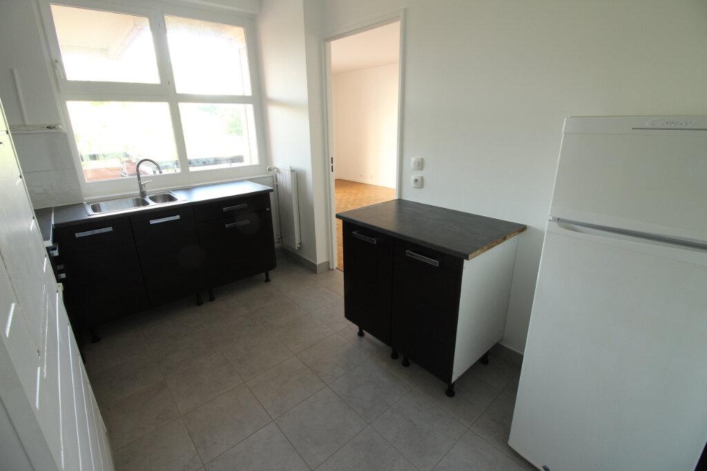 Appartement à louer 2 55.28m2 à Évry vignette-3