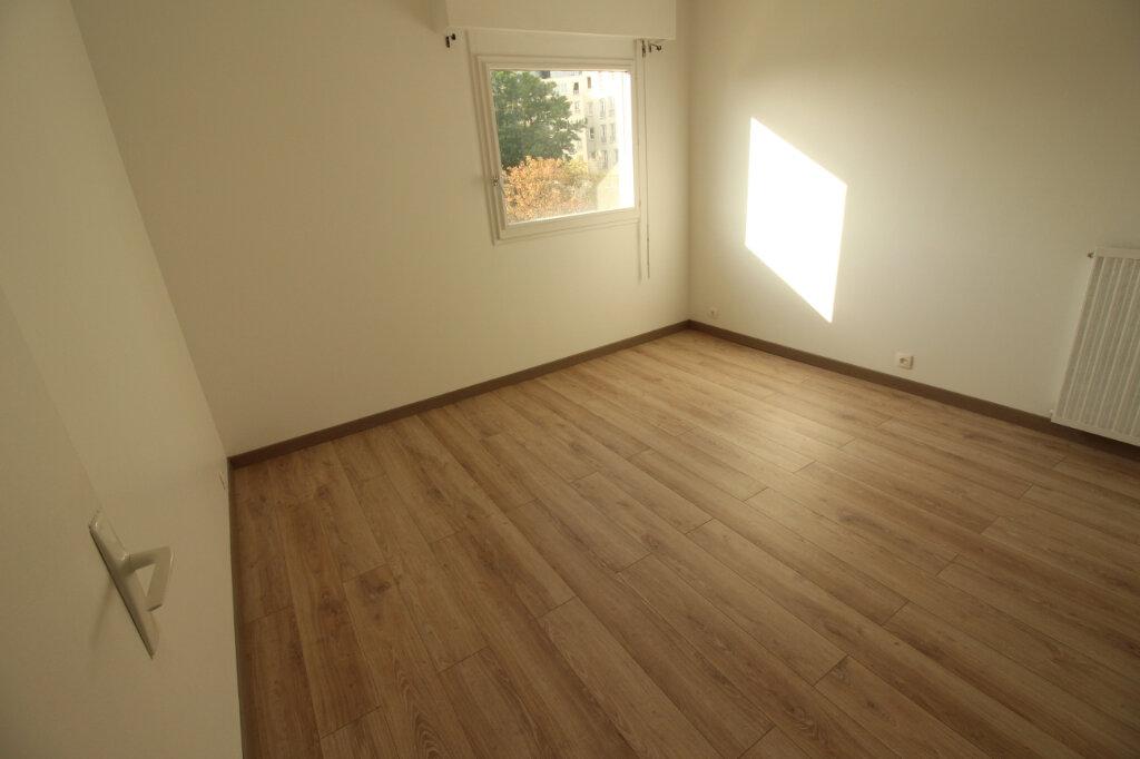 Appartement à louer 2 55.28m2 à Évry vignette-8