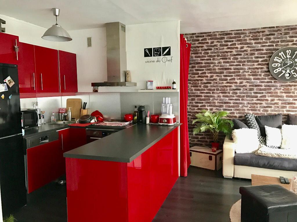 Appartement à louer 2 41m2 à Viry-Châtillon vignette-3