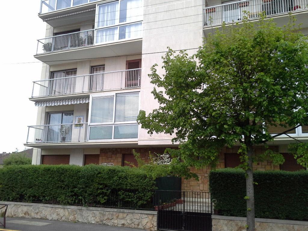 Appartement à louer 2 41m2 à Viry-Châtillon vignette-9