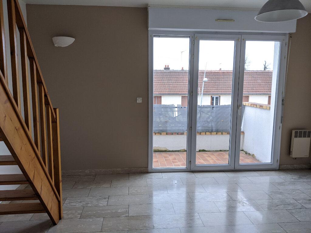 Appartement à louer 2 39.83m2 à Sainte-Geneviève-des-Bois vignette-1