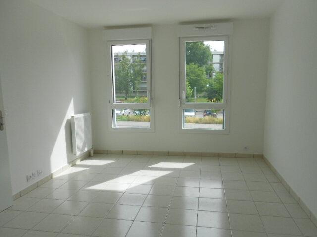 Appartement à louer 2 37.85m2 à Saint-Michel-sur-Orge vignette-1
