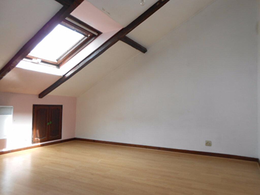 Appartement à louer 3 38.9m2 à Brétigny-sur-Orge vignette-3
