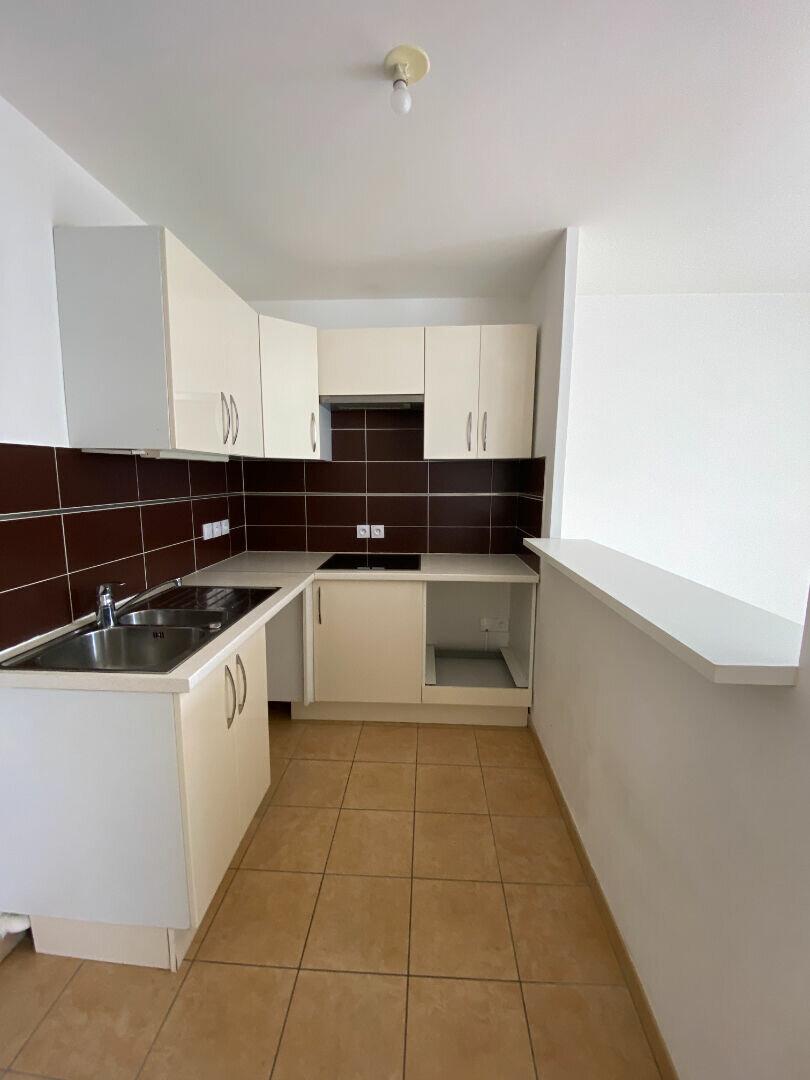 Appartement à louer 3 60.65m2 à Saint-Michel-sur-Orge vignette-3