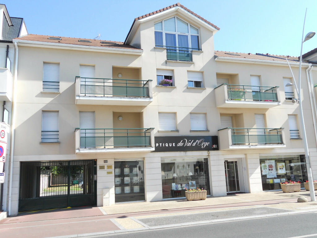 Appartement à louer 3 65.94m2 à Sainte-Geneviève-des-Bois vignette-1