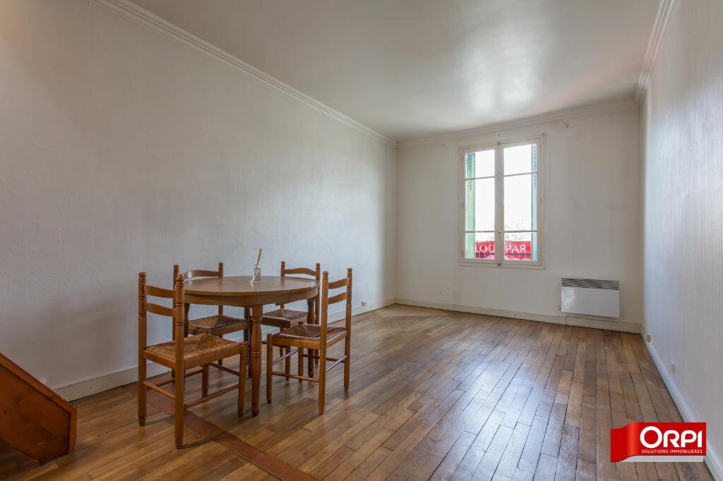 Appartement à louer 2 51.72m2 à Viry-Châtillon vignette-2
