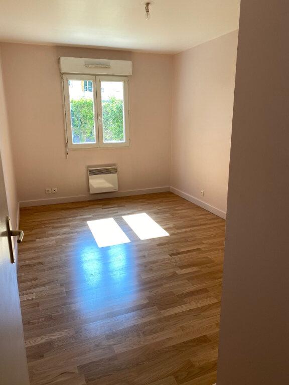 Appartement à louer 2 53.25m2 à Brétigny-sur-Orge vignette-4