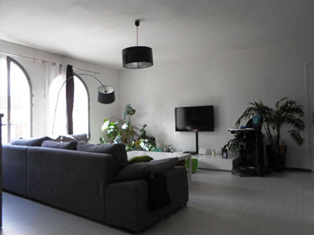 Appartement à louer 3 61.5m2 à Longpont-sur-Orge vignette-1