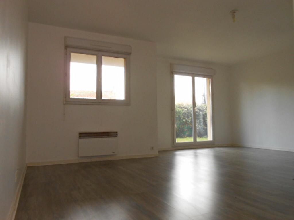 Appartement à louer 2 45.3m2 à Villemoisson-sur-Orge vignette-2