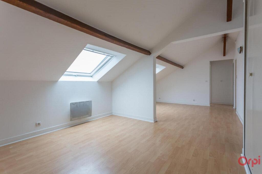Appartement à louer 3 37.7m2 à Sainte-Geneviève-des-Bois vignette-1