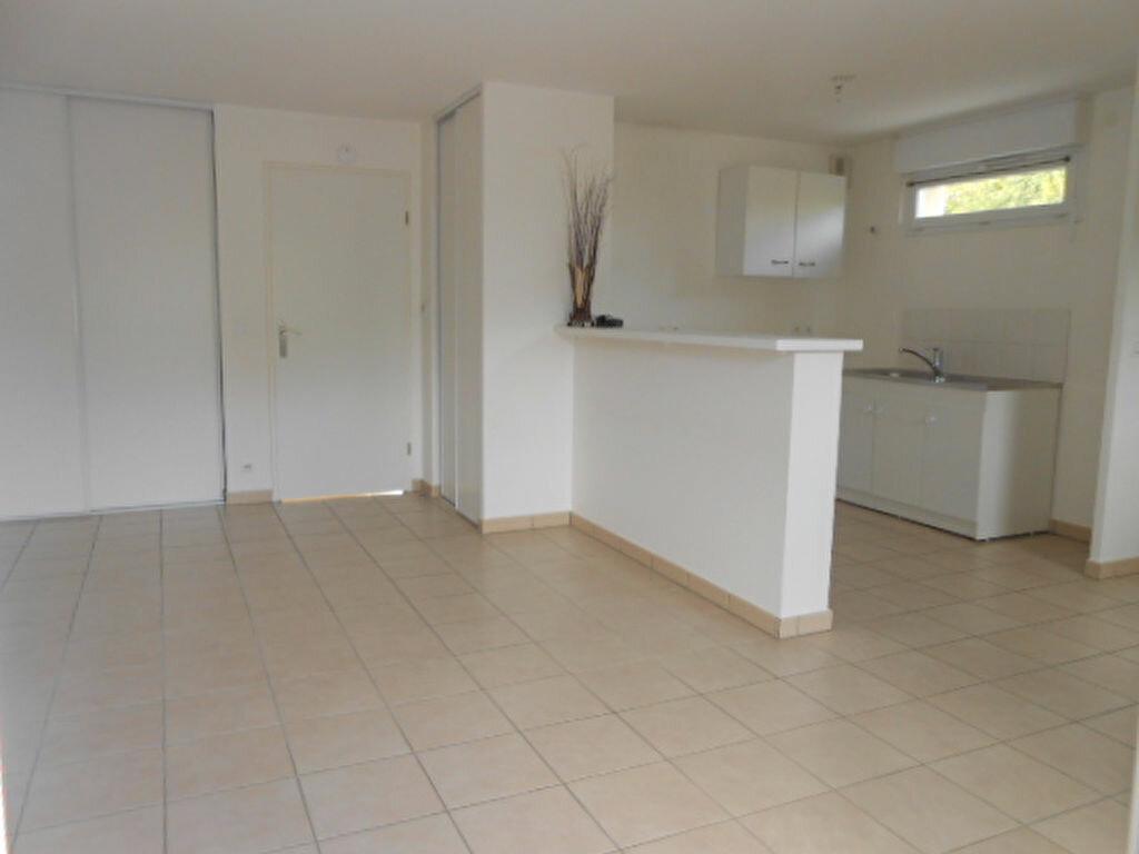 Appartement à louer 3 59.9m2 à Saint-Michel-sur-Orge vignette-2