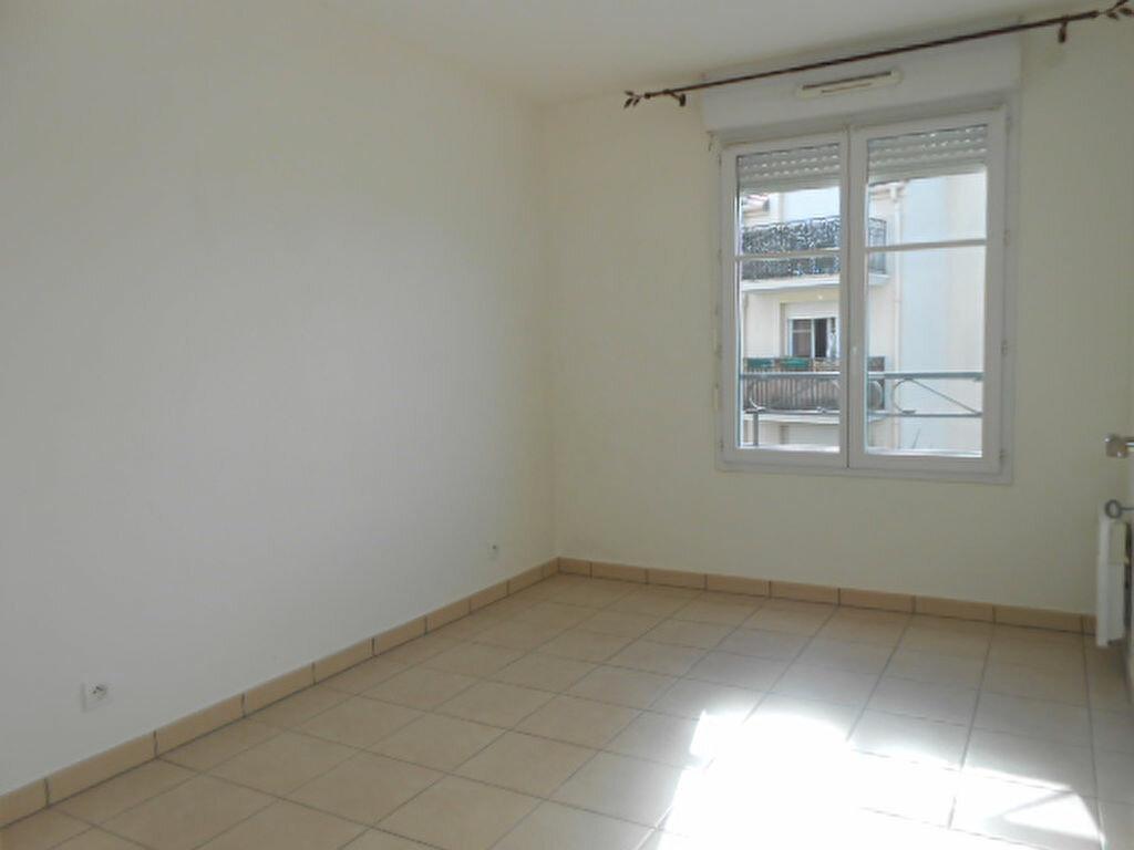 Appartement à louer 3 59.9m2 à Saint-Michel-sur-Orge vignette-3