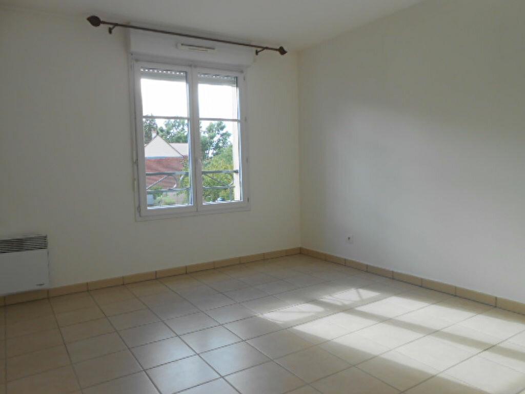 Appartement à louer 3 59.9m2 à Saint-Michel-sur-Orge vignette-4