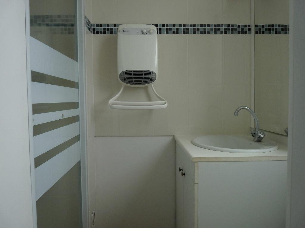Appartement à louer 1 23.46m2 à Saint-Michel-sur-Orge vignette-3