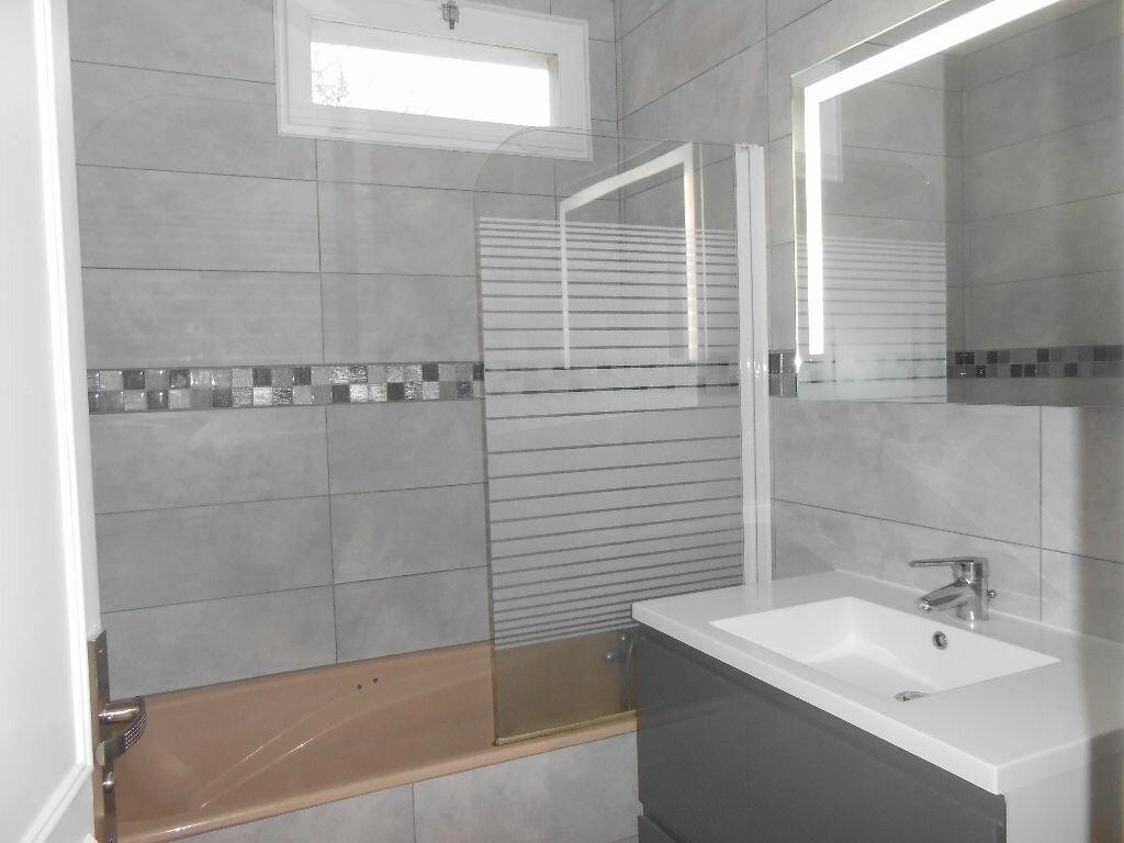 Appartement à louer 4 75.48m2 à Sainte-Geneviève-des-Bois vignette-5