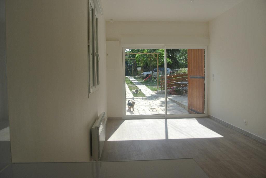 Appartement à louer 1 20.26m2 à Sainte-Geneviève-des-Bois vignette-2