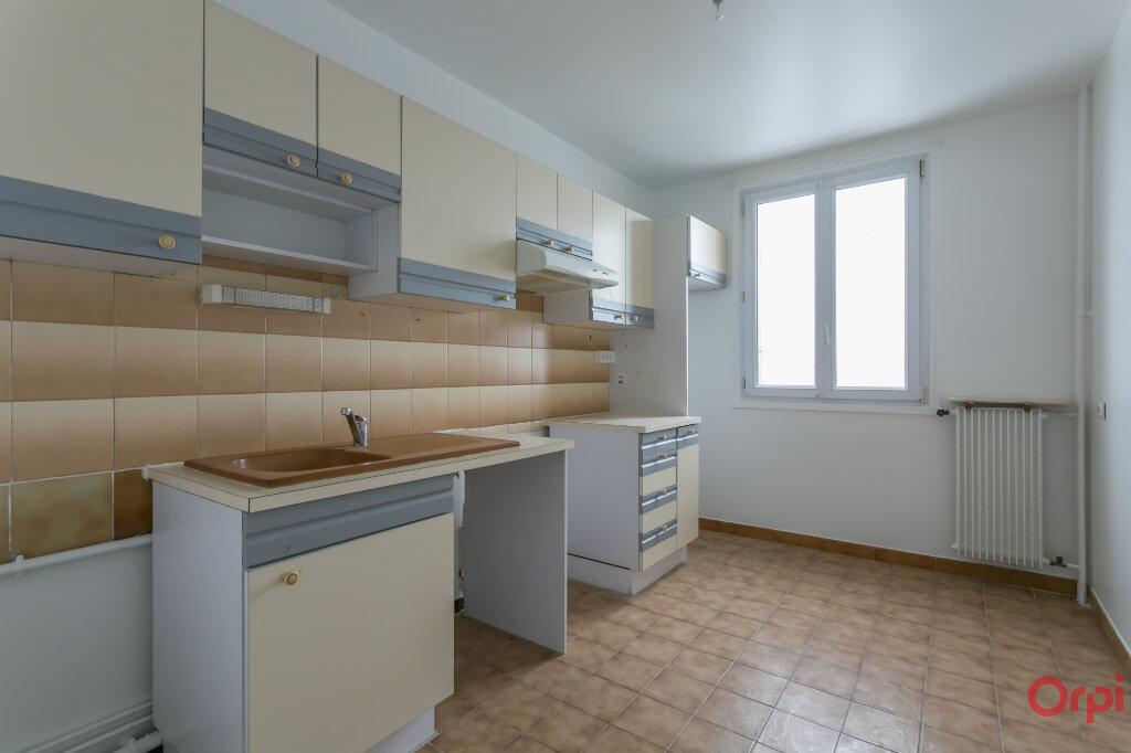 Appartement à louer 4 80.93m2 à Sainte-Geneviève-des-Bois vignette-5
