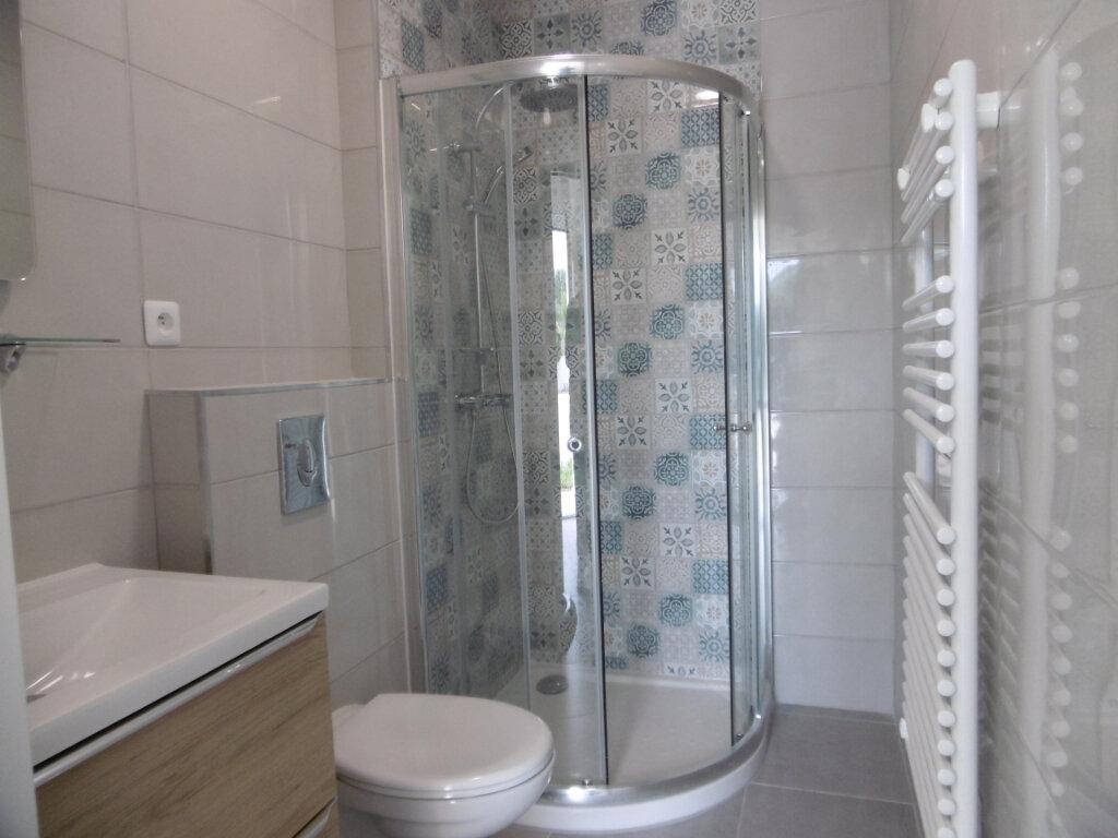 Appartement à louer 1 19m2 à Sainte-Geneviève-des-Bois vignette-5