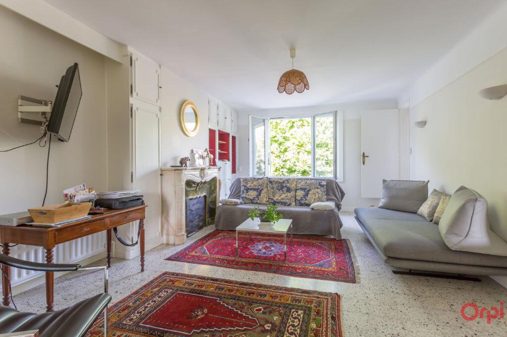 Maison à louer 7 132.21m2 à Sainte-Geneviève-des-Bois vignette-1