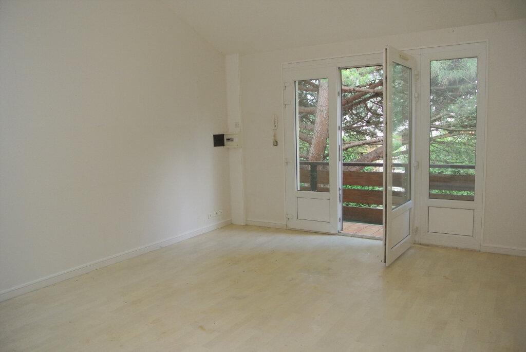 Appartement à louer 3 71.87m2 à Villemoisson-sur-Orge vignette-2