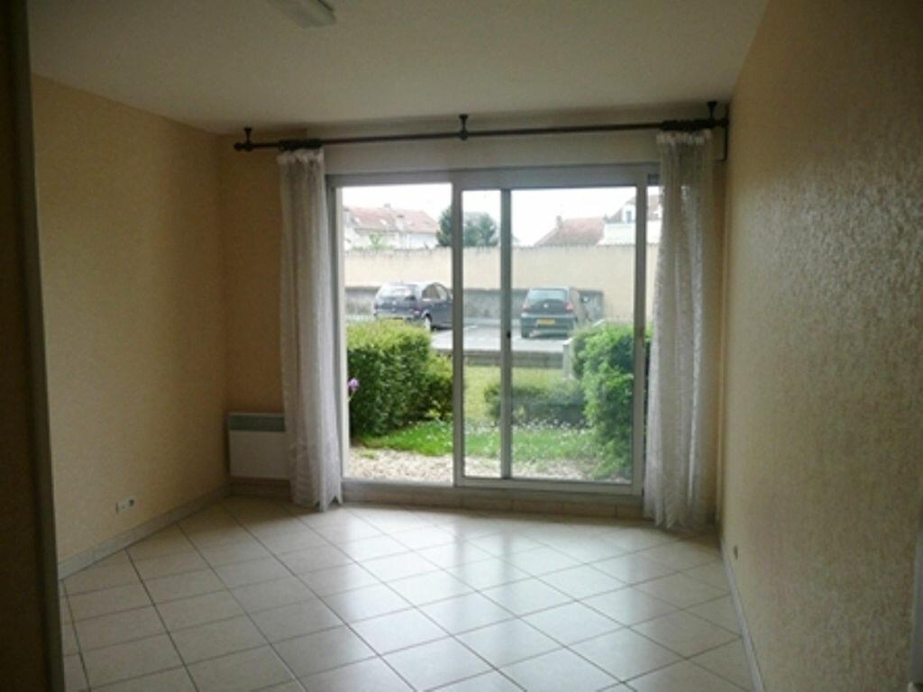 Appartement à louer 1 23m2 à Périgueux vignette-1