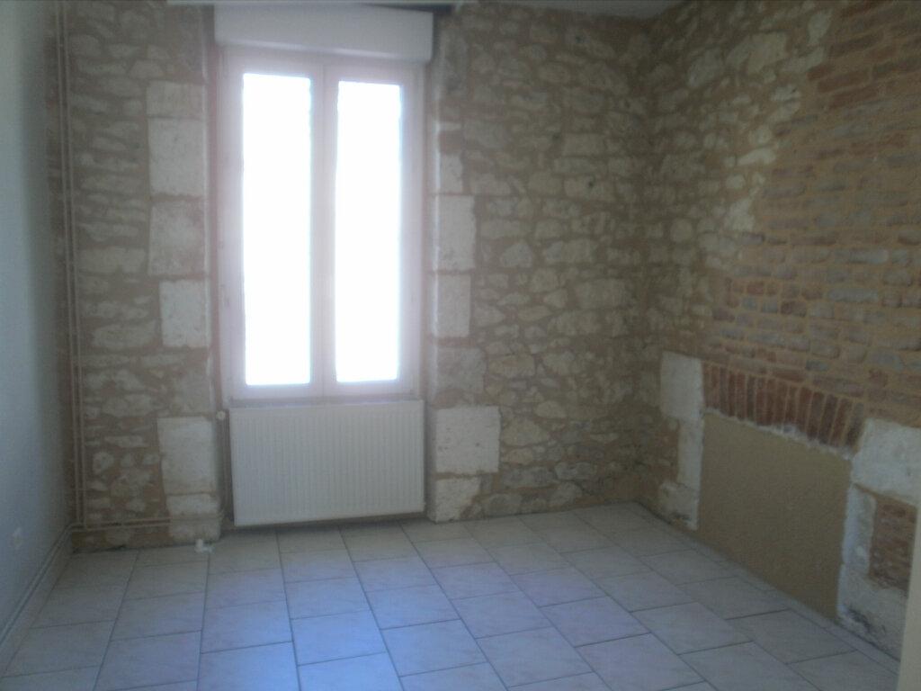 Appartement à louer 5 105m2 à Périgueux vignette-3