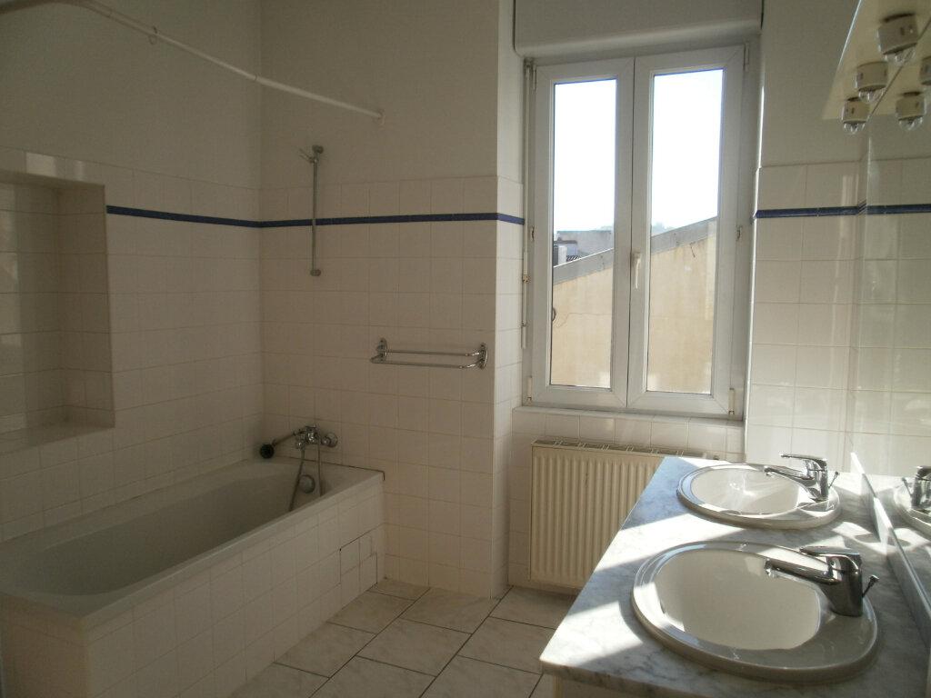 Appartement à louer 5 105m2 à Périgueux vignette-4
