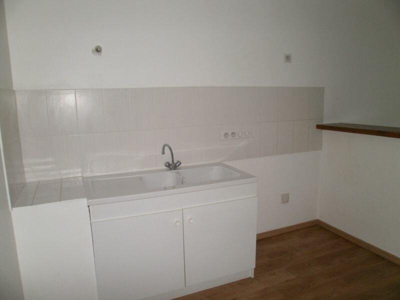 Appartement à louer 2 42m2 à Périgueux vignette-3