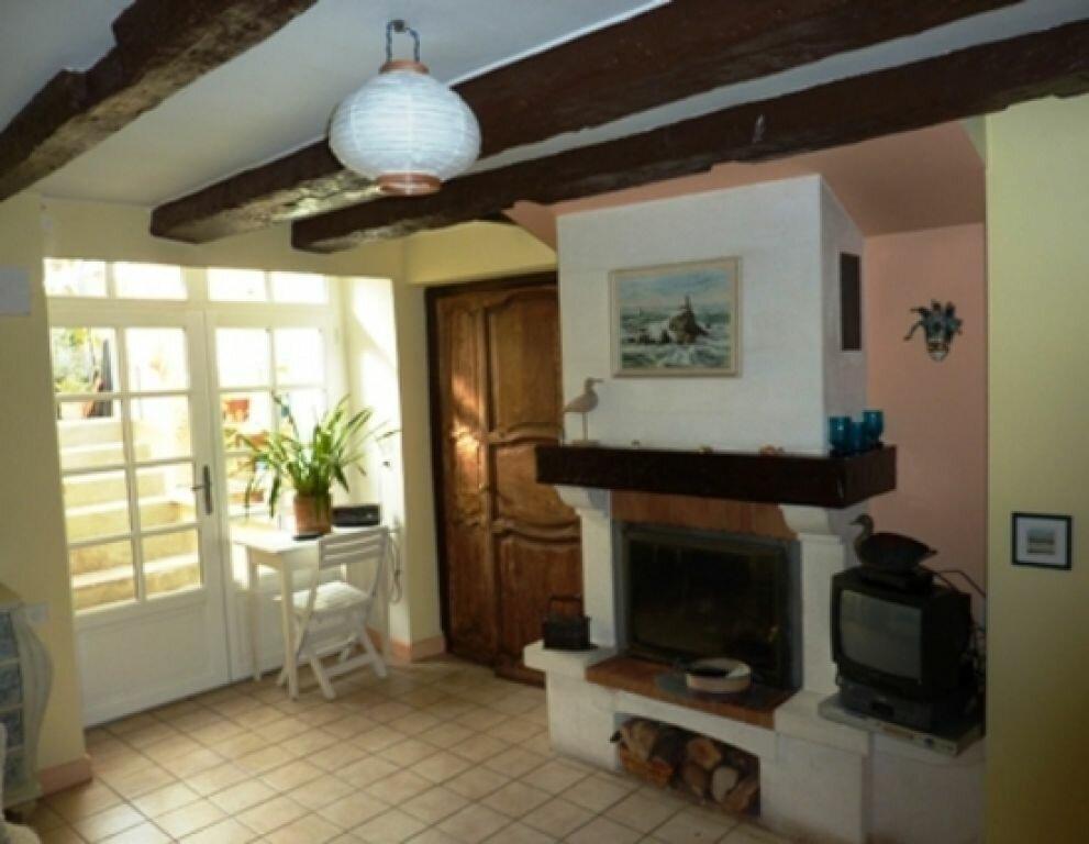 Maison à vendre 4 110m2 à Saint-Astier vignette-2