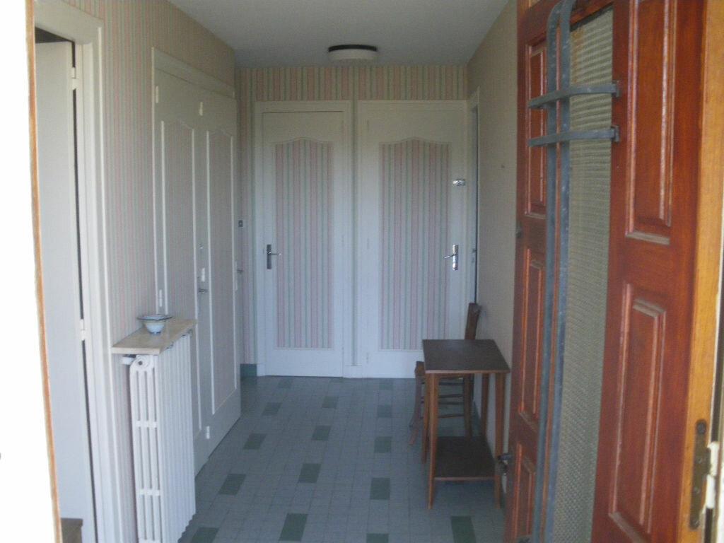 Maison à vendre 5 160m2 à Saint-Germain-du-Salembre vignette-6