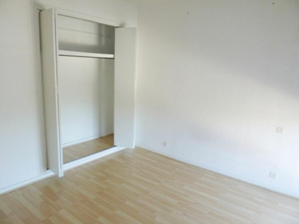Appartement à louer 2 50m2 à Périgueux vignette-3