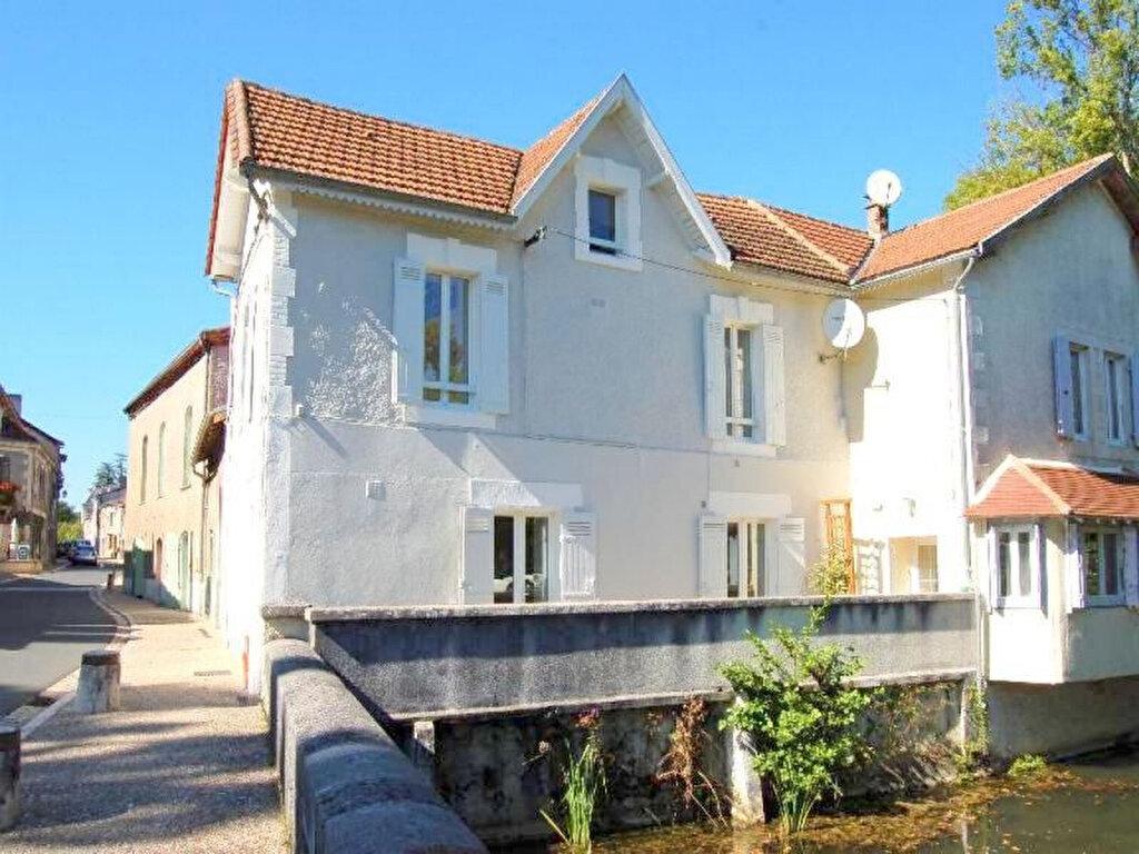 Maison à louer 3 80m2 à Château-l'Évêque vignette-1