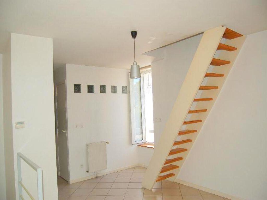 Maison à louer 3 80m2 à Château-l'Évêque vignette-4