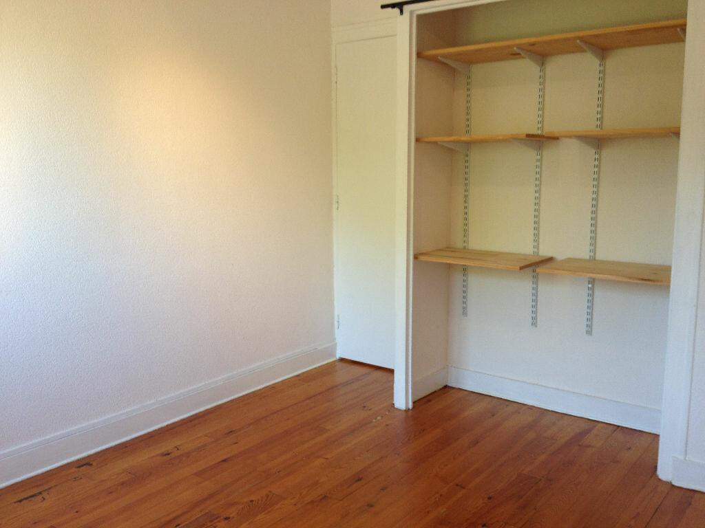 Appartement à louer 3 60m2 à Saint-Astier vignette-2
