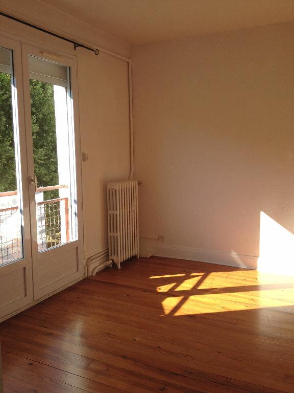 Appartement à louer 3 60m2 à Saint-Astier vignette-3