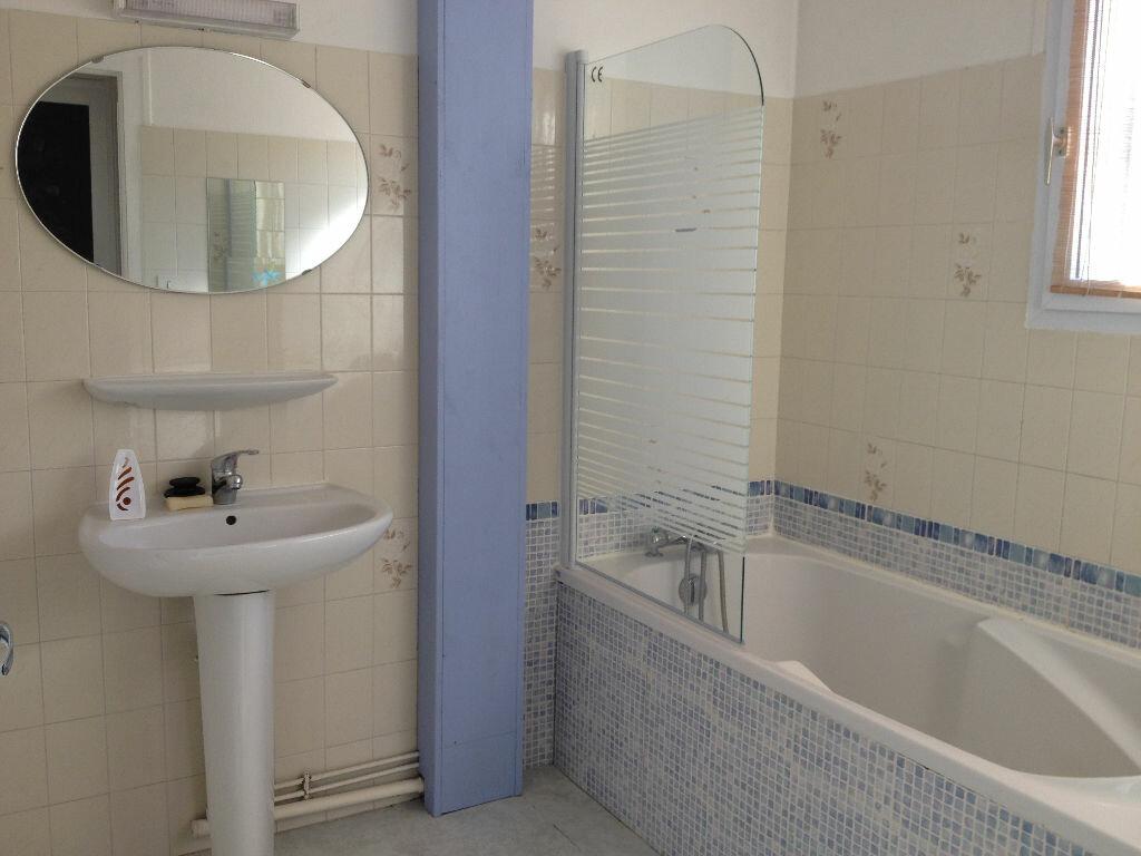Appartement à louer 3 60m2 à Saint-Astier vignette-5
