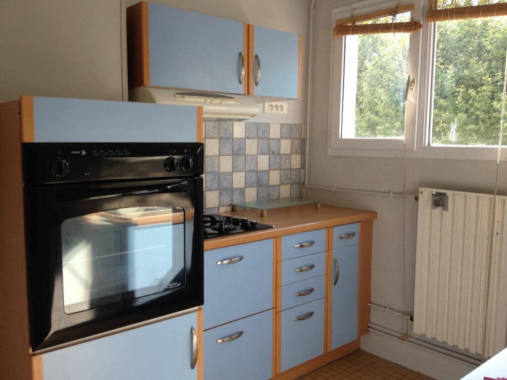Appartement à louer 3 60m2 à Saint-Astier vignette-6