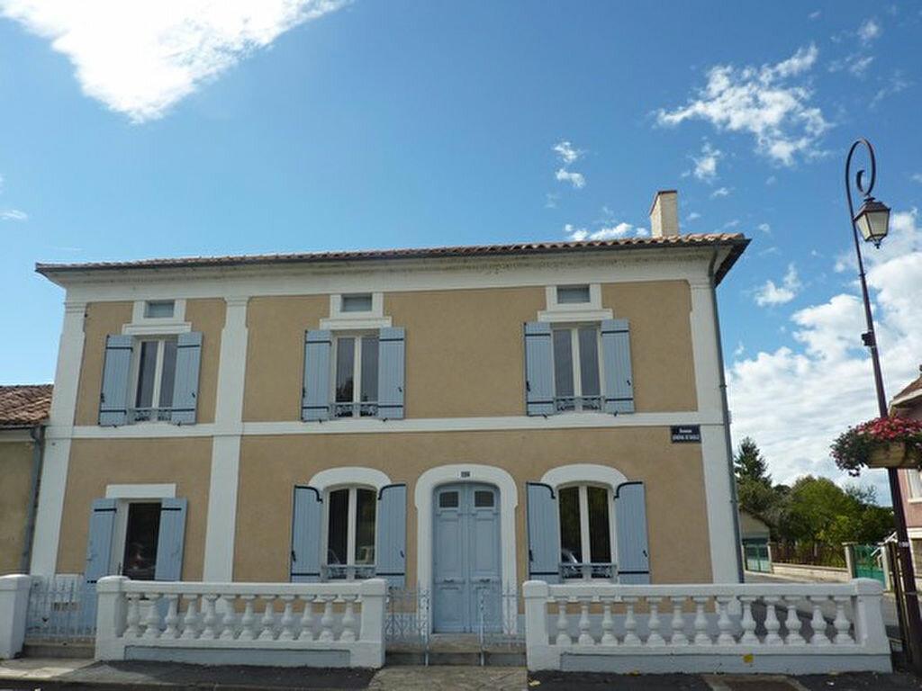 Maison à vendre 6 170m2 à Neuvic vignette-1